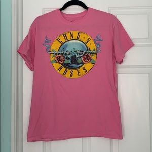 Pacsun pink guns and roses tee